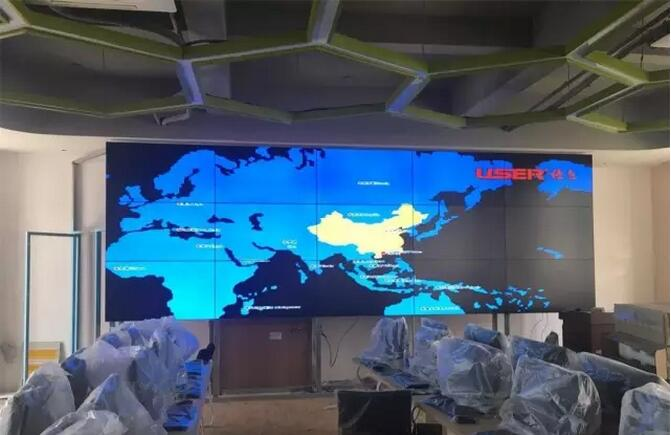 福州外语外贸学院液晶拼接屏案例